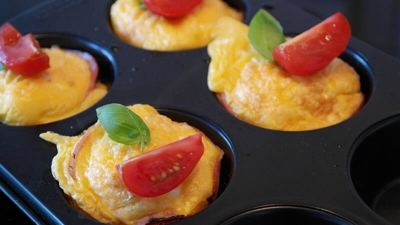 a tray with cases holding four keto egg muffins made for type 2 diabetics